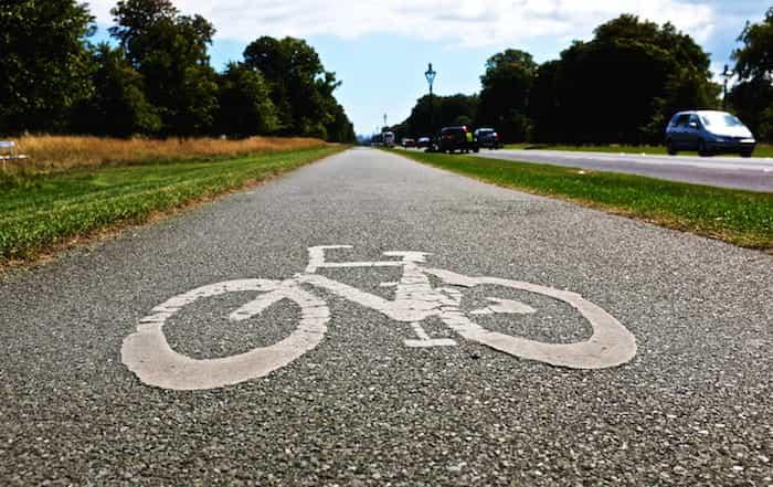 Carril bici de una carretera