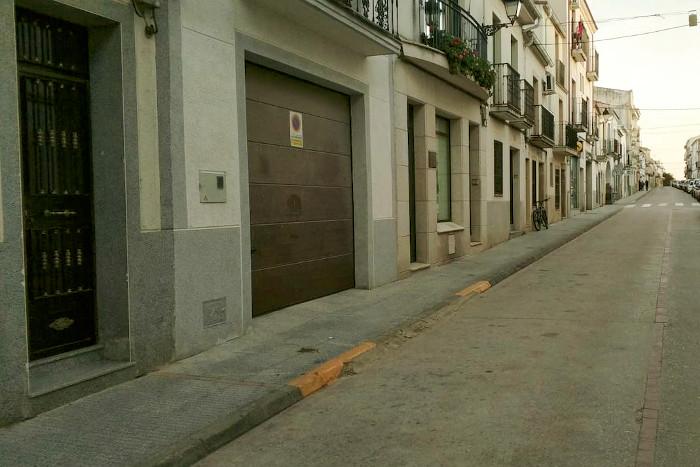 Zona de vado permanente sin estacionamiento de vehículos