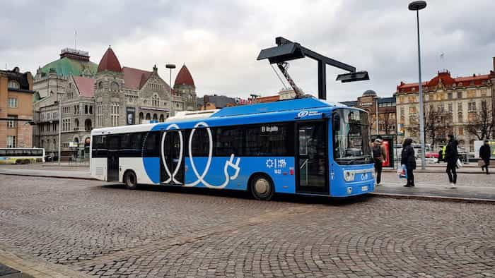 Transporte en autobús que utiliza energía renovable