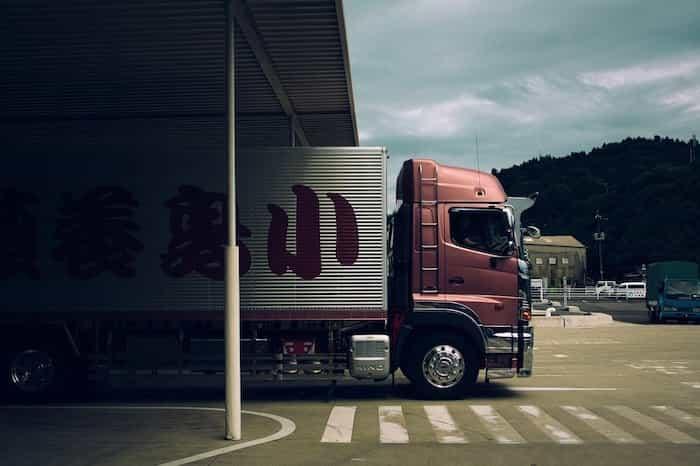 Para conducir un camión se necesita el carnet C