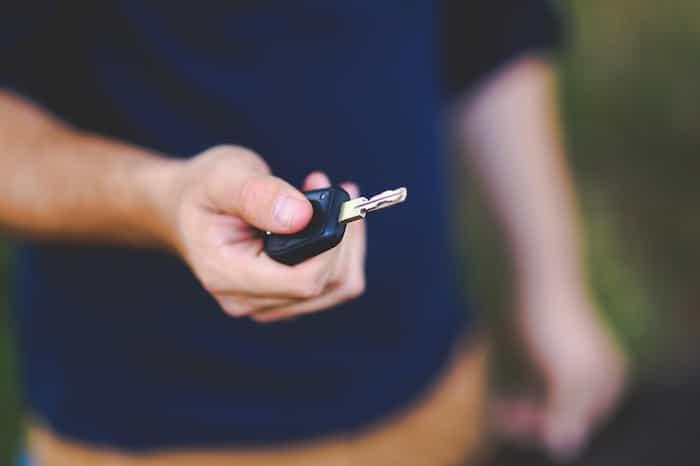 Conductor de vehículo convencional con el carnet B
