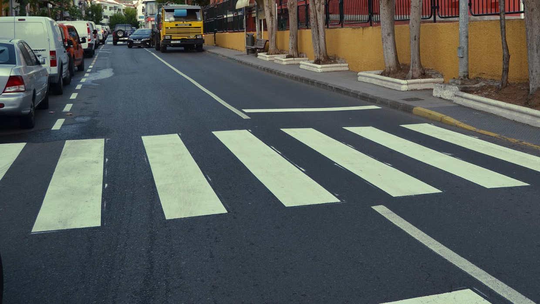 Marcas Viales De Tráfico En Una Calle